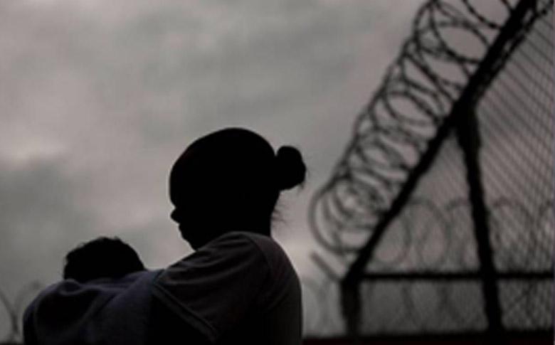 Por que a Justiça mantém mães sem condenação na cadeia?